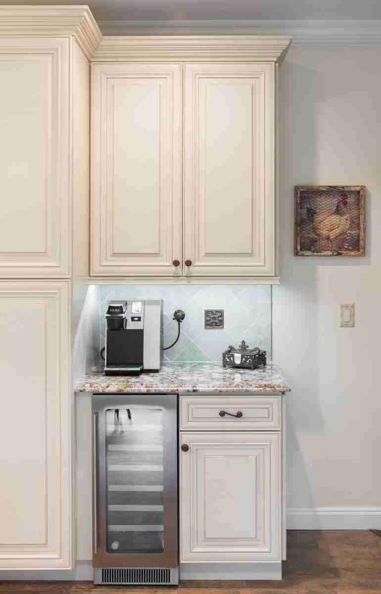 J&K Cabinetry Cream Glazed Kitchen Cabinet