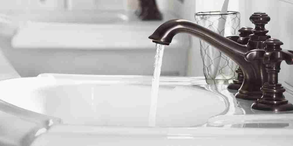 Black Faucet and White Sink