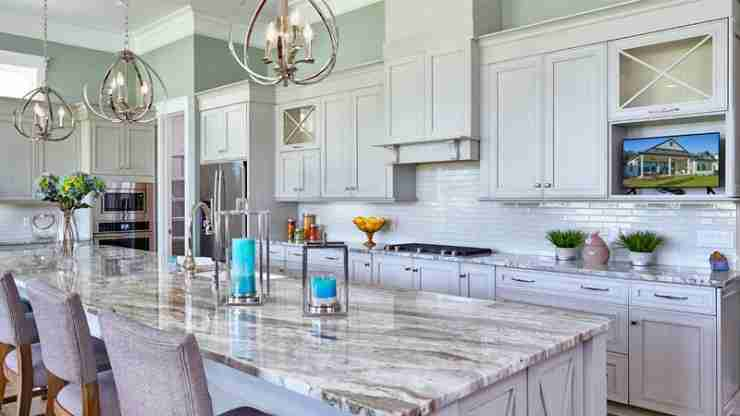 When to Replace Your Old Kitchen Cabinets?