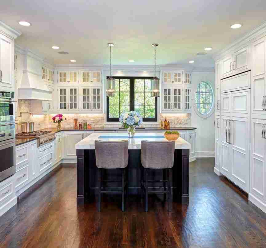 Starmark Cabinetry Kitchen Cabinet White and Light